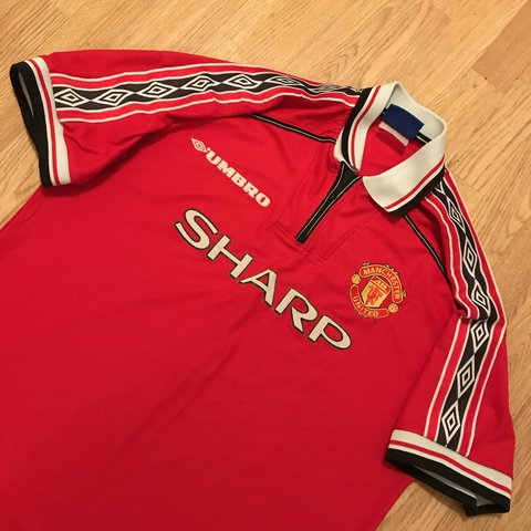 2f091e8d30b Vintage Umbro Manchester United shirt from 98 size Xl and to - Depop
