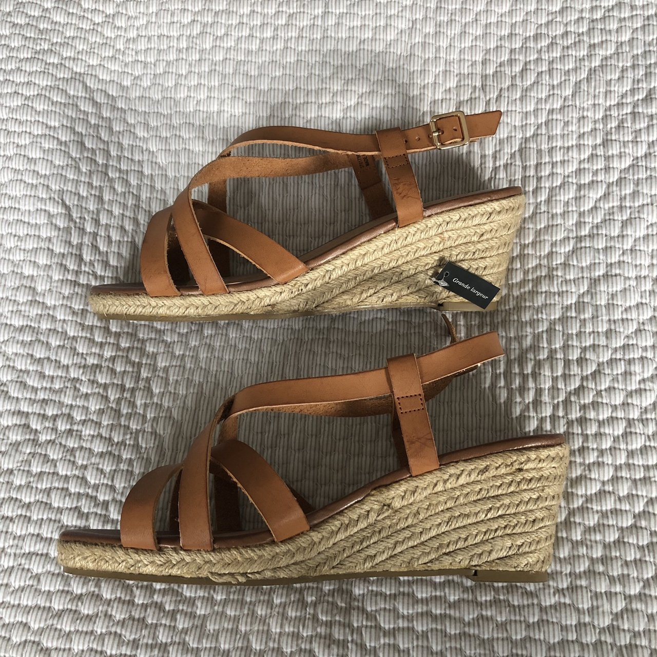 Wide fit New Look Size 9 Tan wedge