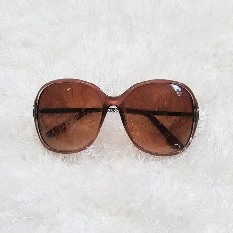bee2ef59f7 70s Inspired Brown Sunglasses Tags   retro
