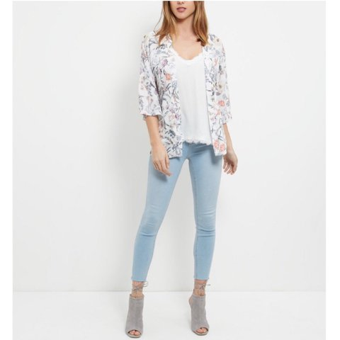 399e93fed7092 @annietordoff. 10 months ago. Batley, United Kingdom. New Look cream/white  pastel floral kimono jacket