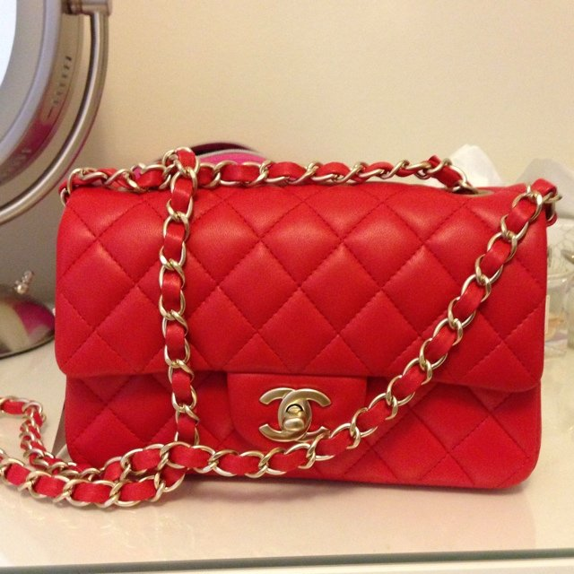 e41f39f37679e3 @luluemily. 5 years ago. Toronto, ON, Canada. Rare Chanel mini red classic  flap bag 20cm ...