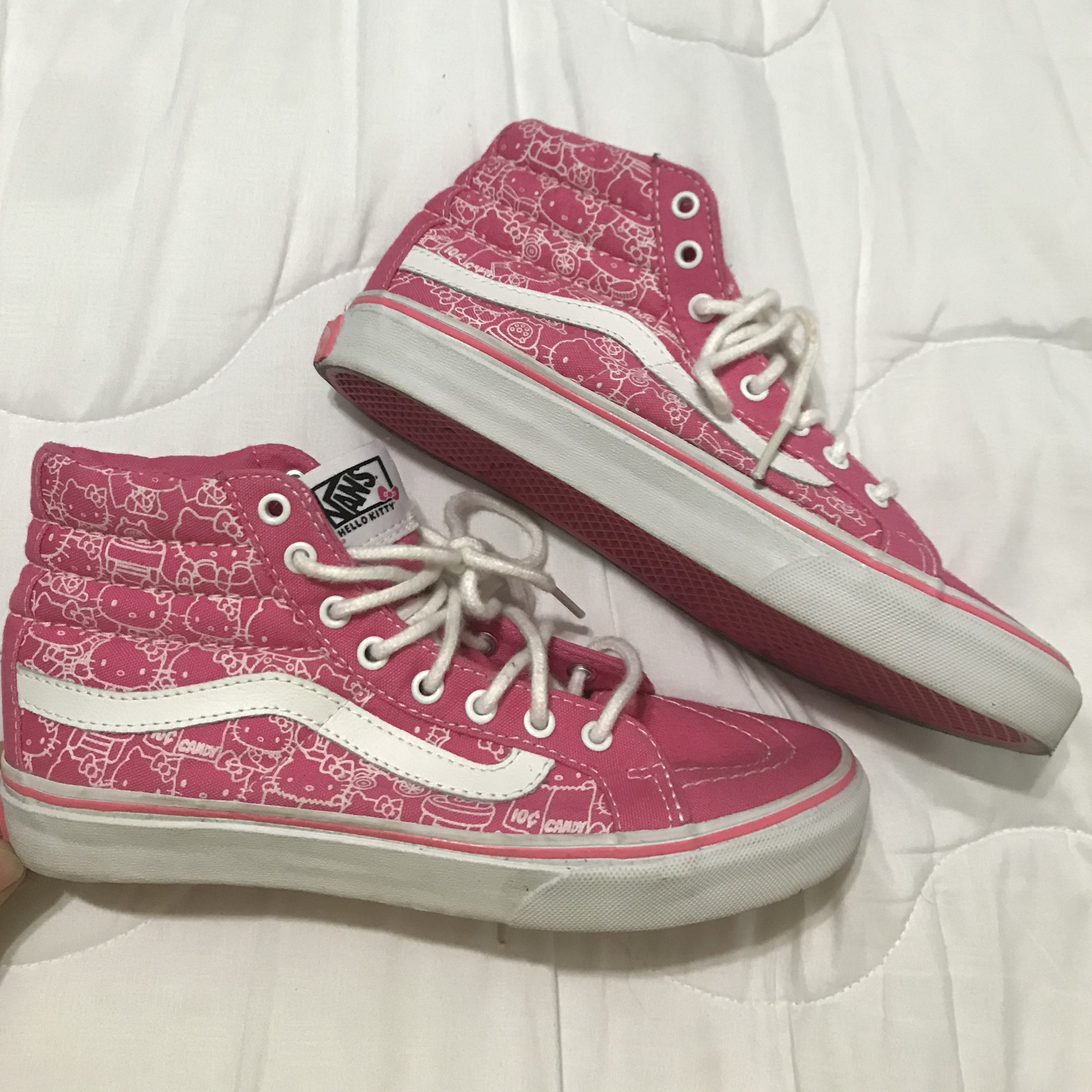 best authentic 63ad2 dc39c hello kitty vans limited edition