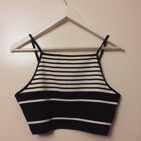 d3a33ad22f2 @eshattock. 3 years ago. Cambridge, Cambridge, UK. Topshop black and white  striped crop top - size 12 ...