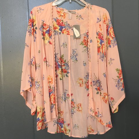 c53aaa4c9e66c Forever 21 Pink Floral Kimono - SIZE MEDIUM Never Worn with - Depop