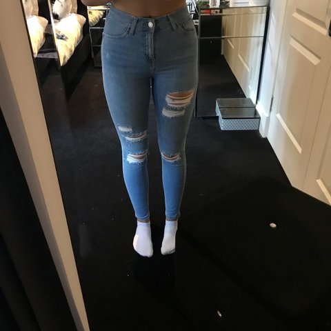 6ba096b34a2 @tiffany_nelson. last year. Glasgow, United Kingdom. Light wash blue denim  Topshop Jamie jeans with distressed ...
