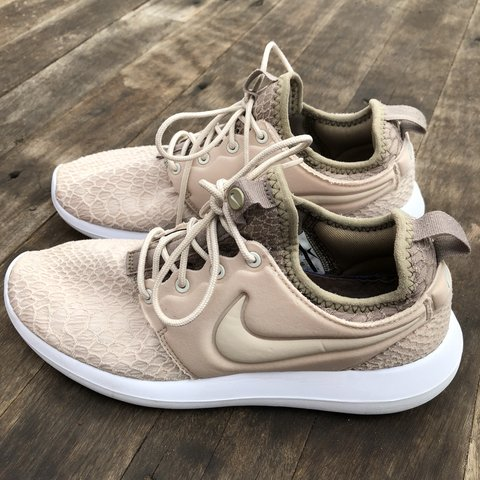 8cfec4ce5b2 Nike Roshe Two sneakers in Beige   white Worn about 10 in of - Depop