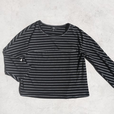 9e9e03b2a3187 Black and white striped long sleeve. This is slightly are no - Depop