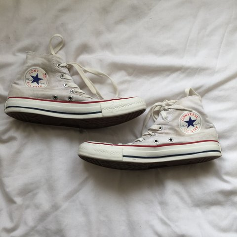 dd5065ea21a59f white converse   size uk 6   used and a bit dirty but could - Depop