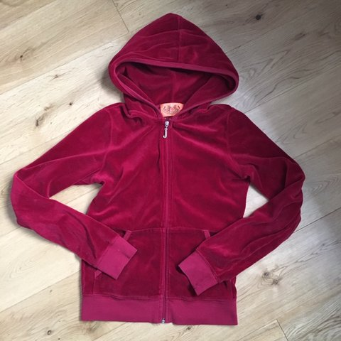 8a380e49c79d6 @caito. 6 months ago. High Wycombe, Royaume-Uni. 🍒 juicy couture velour zip  up hoodie tracksuit top in berry red colour / great condition / size S ...