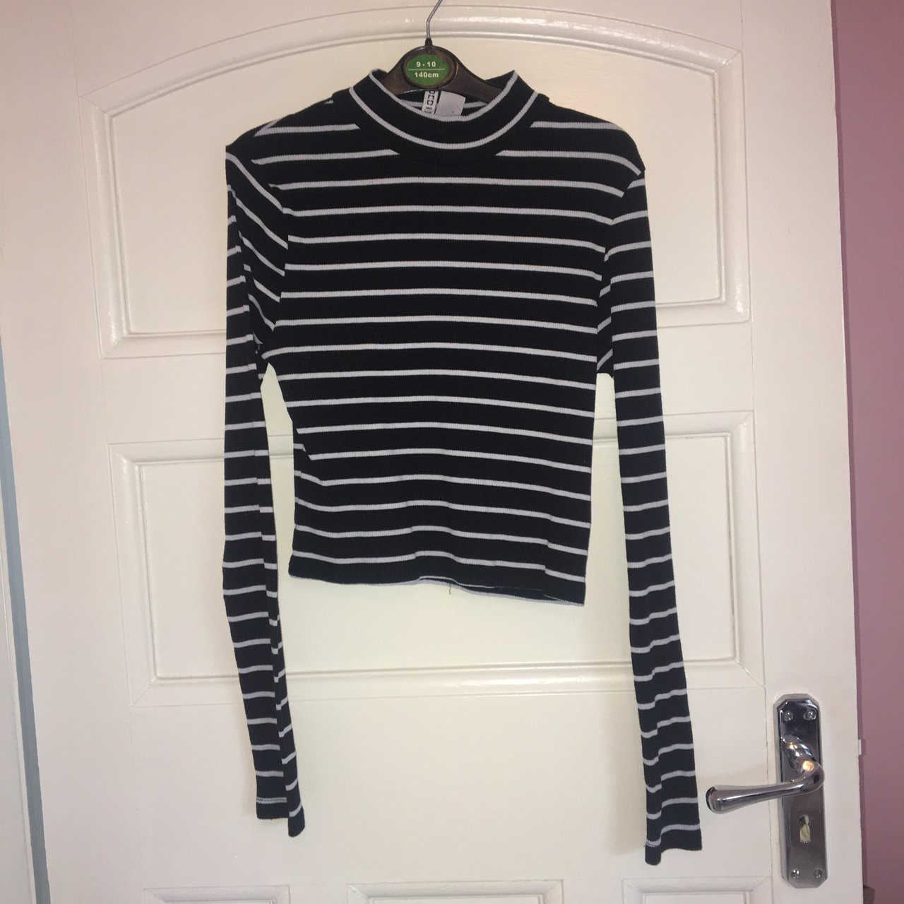 57950c8eb8 H m black and white stripe top💙 worn twice brought for - Depop