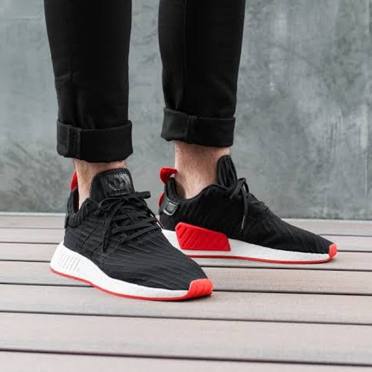 Adidas NMD R2 core Black/Red Size US 10