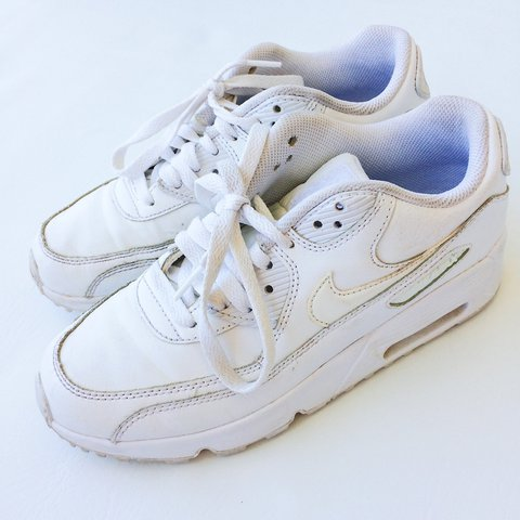 9e2a2f4dfb Nike air Max 90 size 5.5Y or women s 7. Excellent condition