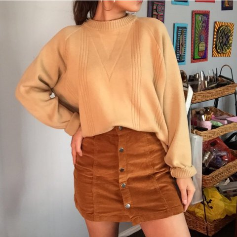 1fb74221ead23  viscorner. last year. Australia. Button up high waisted skirt in brown🔥