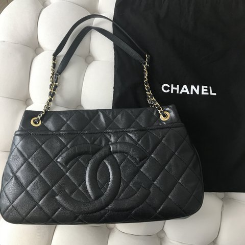 a80b768657c53f @sanashiraz. 4 months ago. London, United Kingdom. Chanel grand shopping  tote XL ...