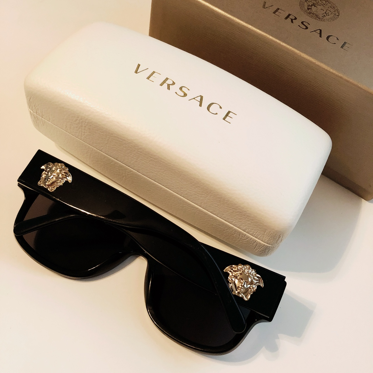 c8d9cadada90 j991. Oxford, United States. Versace sunglasses Brand New polorized  Purchased ...