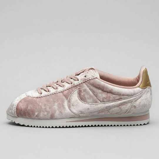RESERVED Nike Cortez size 5.5 crushed