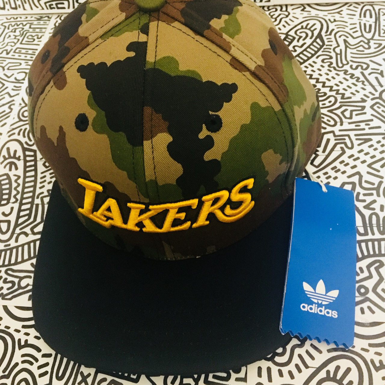 d596696dec6f3 ADIDAS LA LAKERS NBA SNAPBACK CAP IN CAMO Brand new with