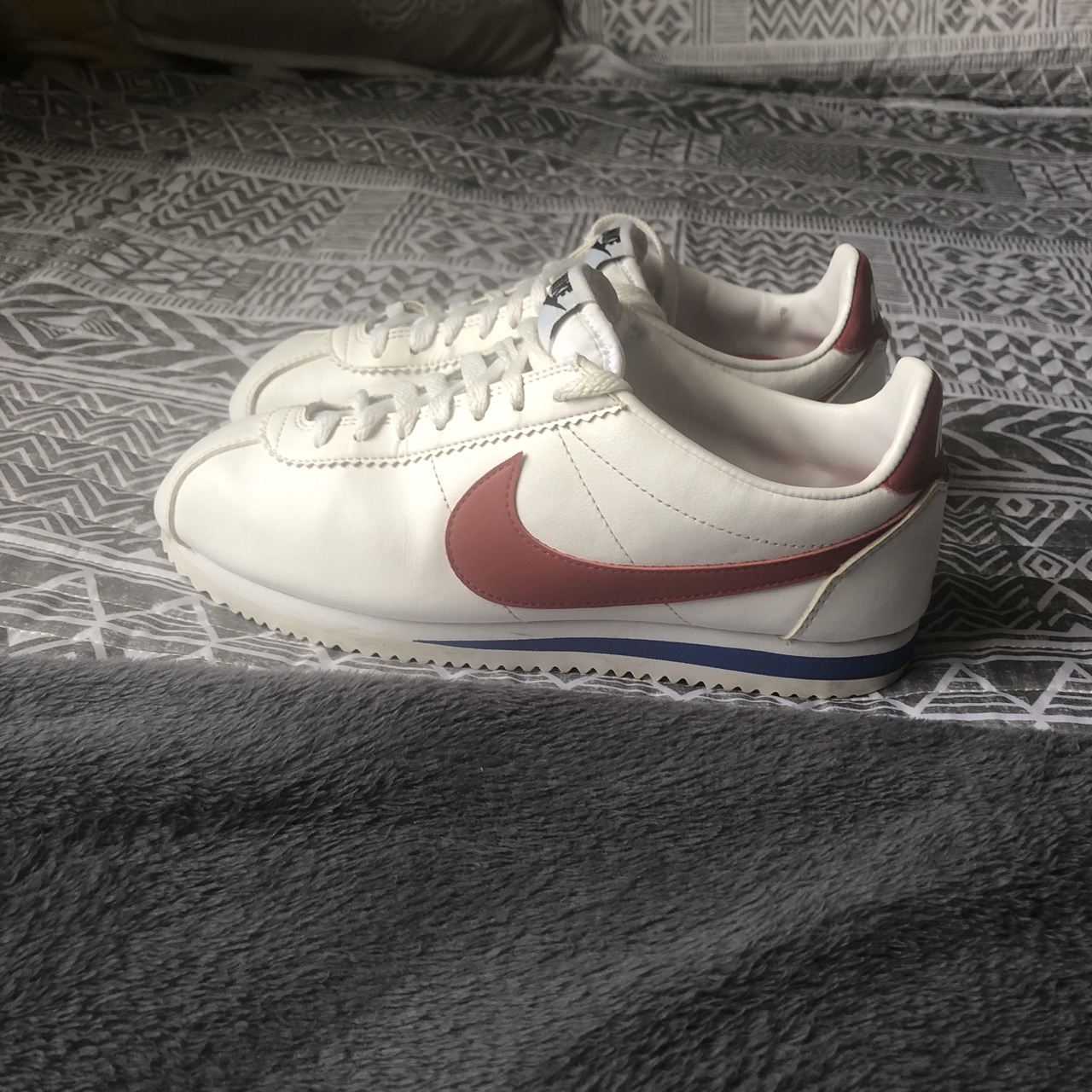 buy popular 4a6fc 56a9b Nike Cortez White leather w/red swoosh and blue... - Depop