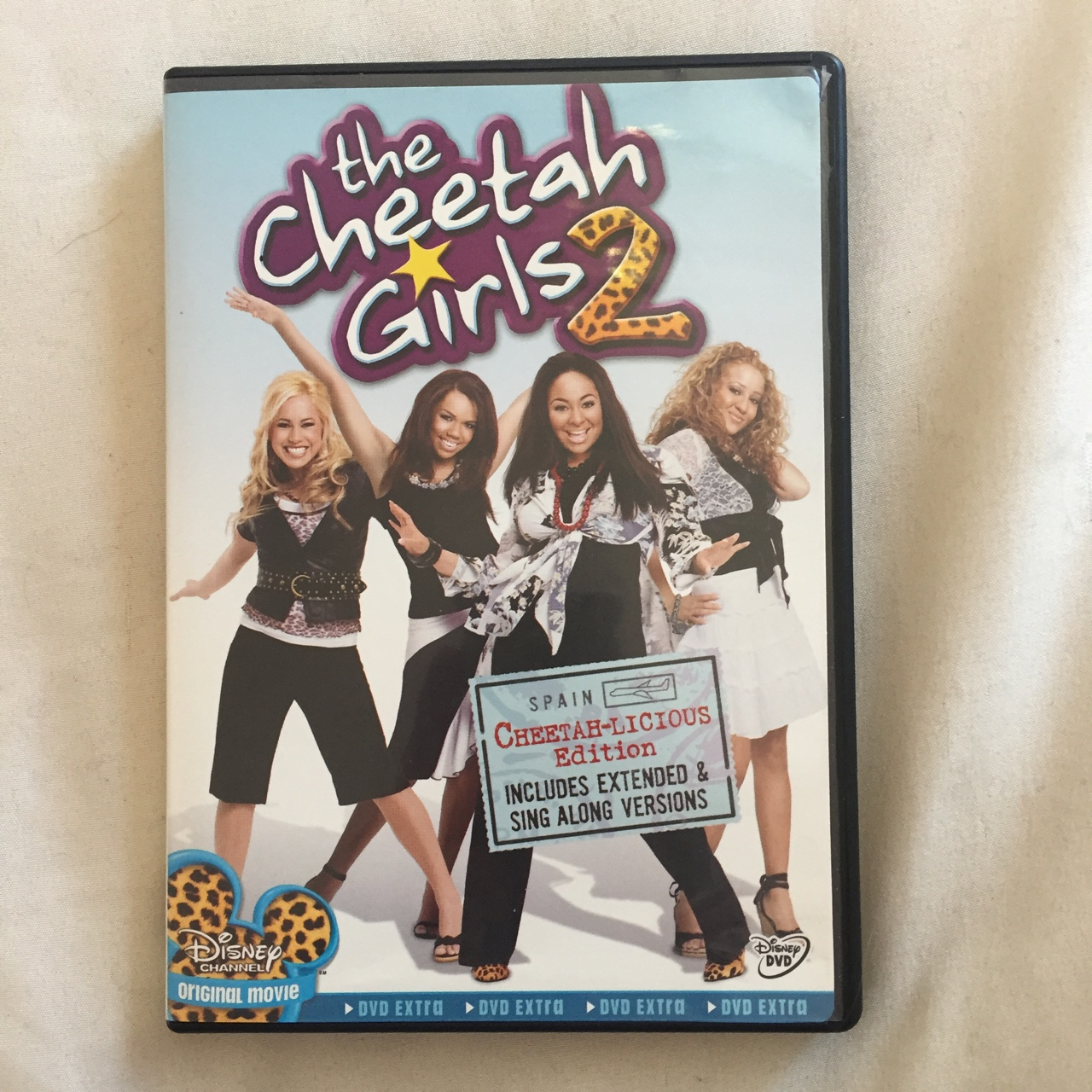 The cheetah girls 2 dvd  Dunno if it plays    - Depop