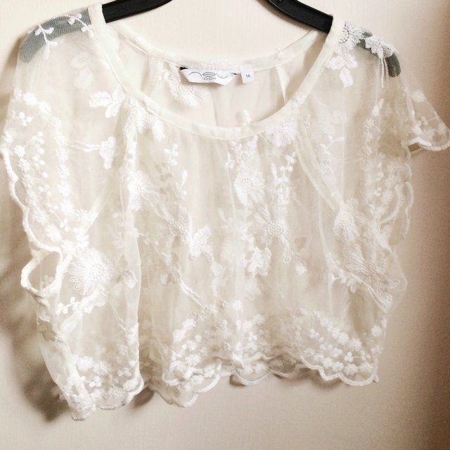 0a6ecee3d86d2a Cream lace crop top. Size 16 but I am an 8 10 and fits me in - Depop