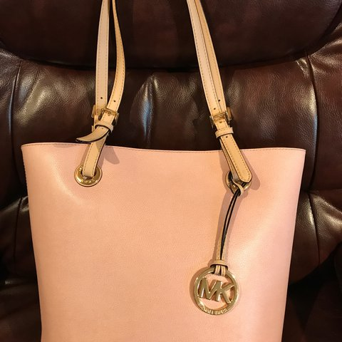 5aef4a3d02d2 Authentic Michael Kors leather tote bag. Light pink color. - Depop