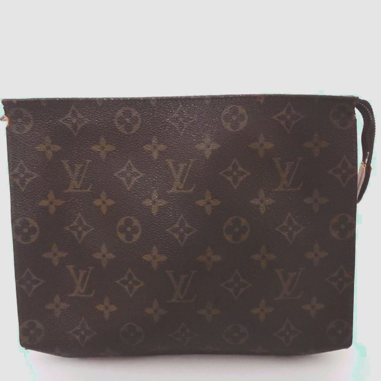 f4f3aa5537f @misslisaxo. 3 years ago. London, UK. Louis Vuitton toiletry pouch 26 #lv  ...