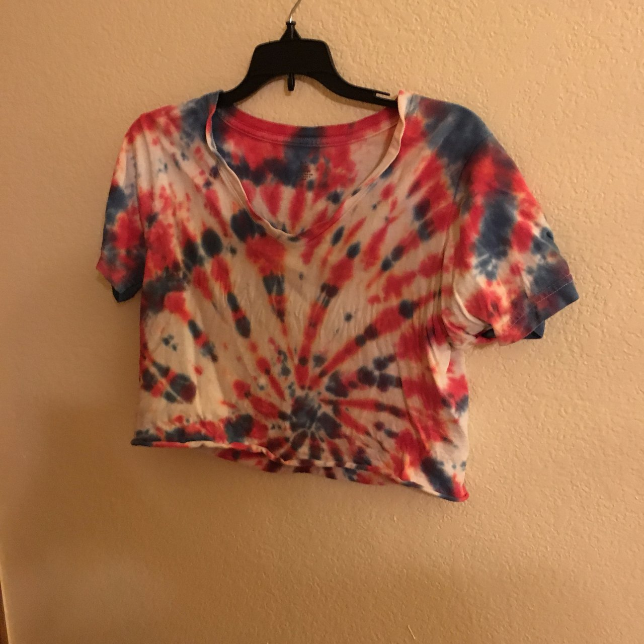 4a5fdc2a8dcb @lizorn. 2 months ago. Highlands Ranch, United States. Tiedye crop top.