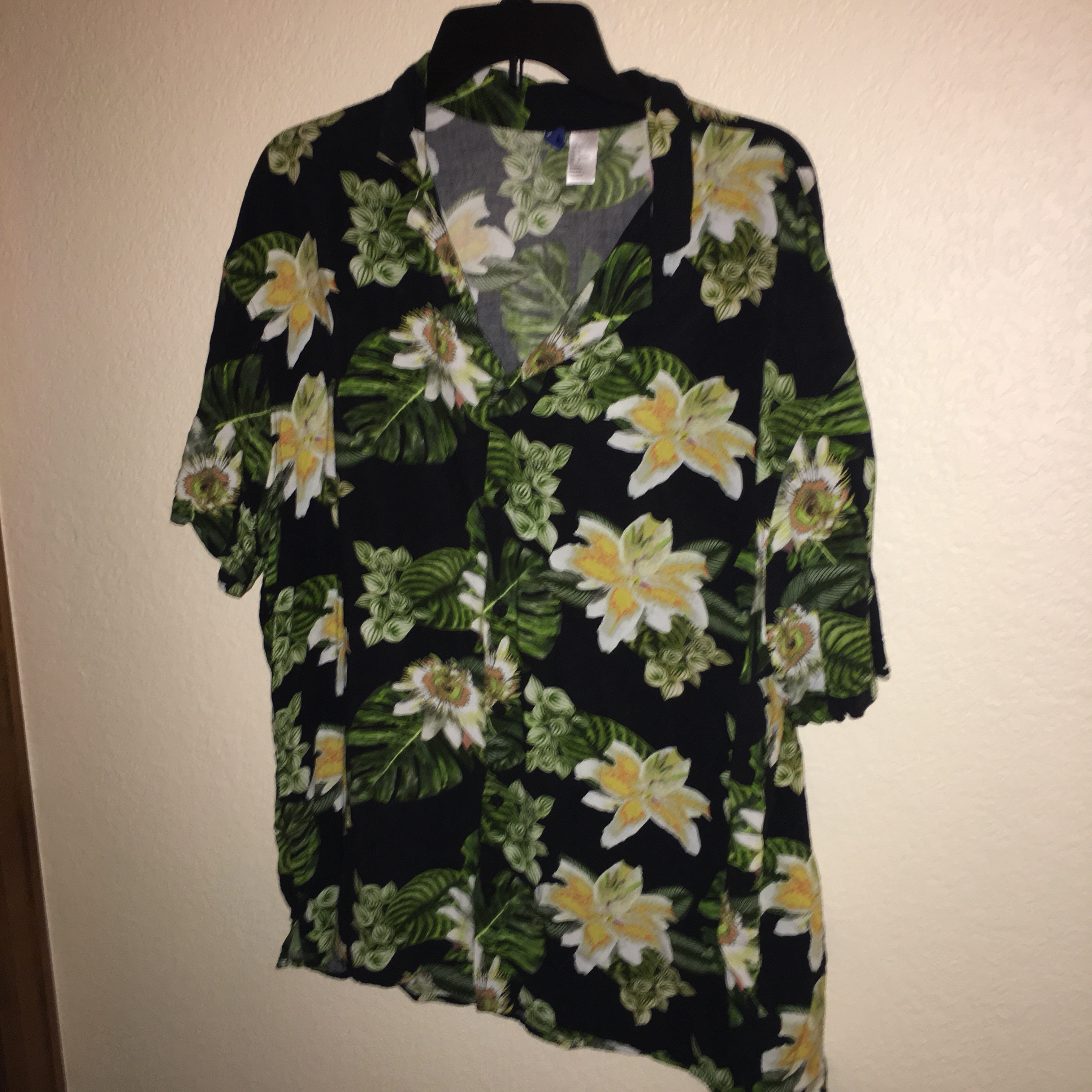 50846a54043 Hawaiian shirt. Brand is H&M in a size Large.... - Depop