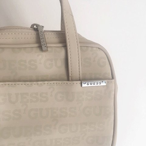 cd72b46ee86  fenesse. 2 years ago. London, United Kingdom. CLEARANCE! Was £15 ⚡️Super  cute mini Guess cream handbag ...