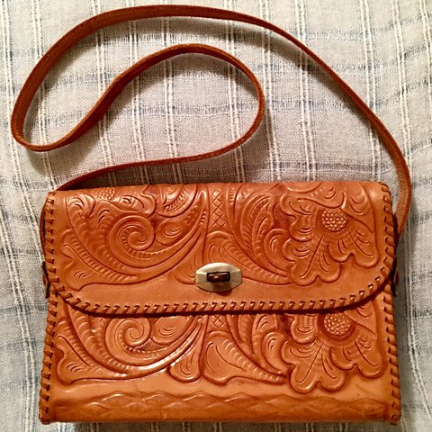 09f0d835eed5 🍄 vintage tooled leather purse 🍄 Classic