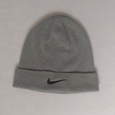 801b9527 @szalam. last year. Ilford, United Kingdom. Men's Nike grey woollen hat