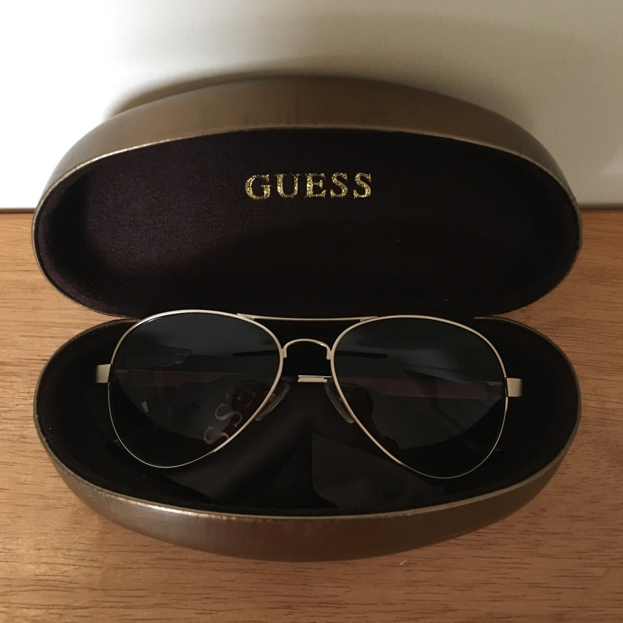 Guess  aviator  sunglasses Comes with the case and lense - Depop 455f54c72e