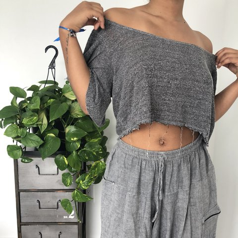 6296ffcaee03e Abercrombie   Fitch crop grey off-shoulder top Wavy on the - Depop