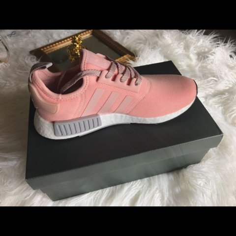 7a10ff0c947f4 Adidas NMD R1 Vapour Pink Limited edition