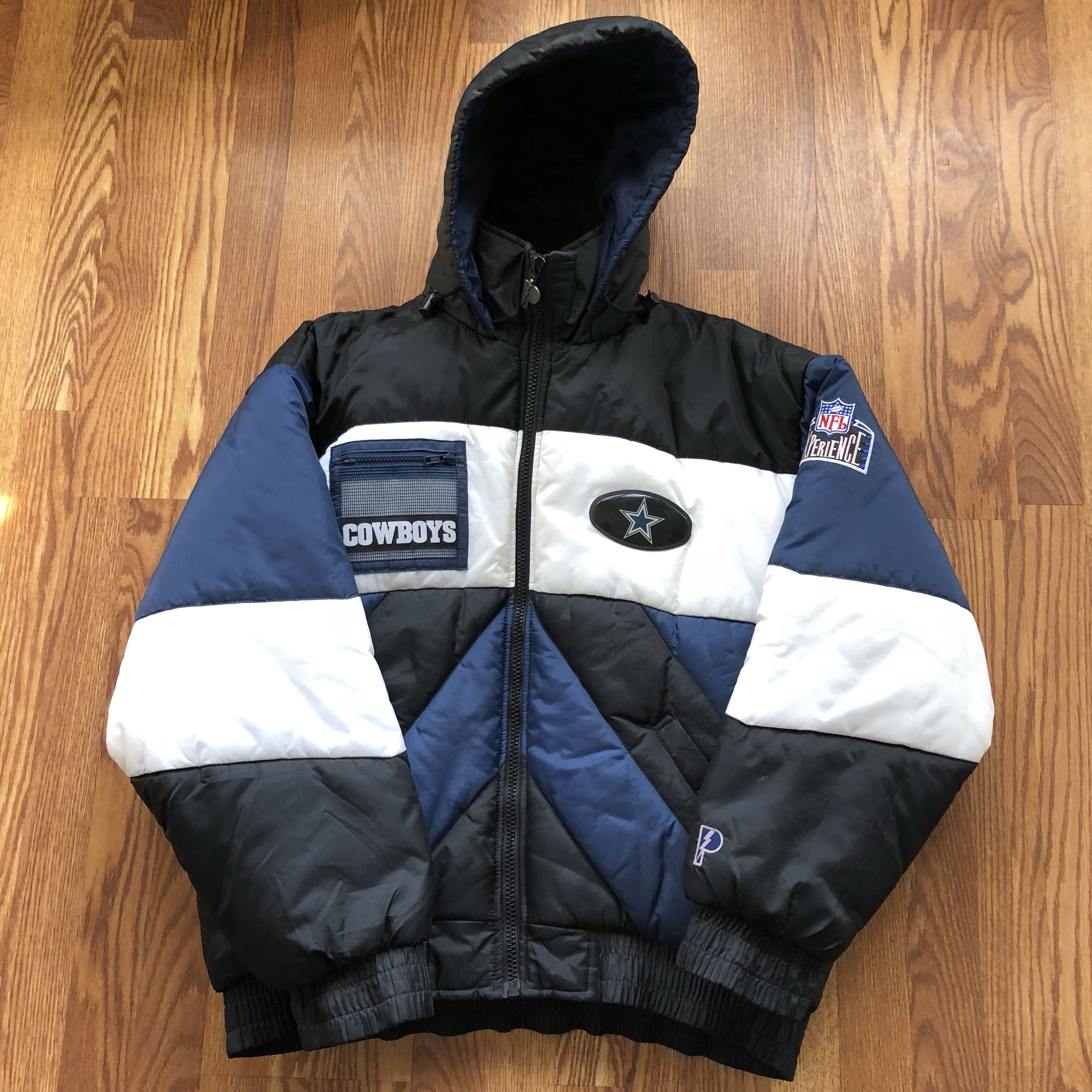 new styles 6861d 58f0c Vintage Pro Player Dallas Cowboys Winter Puffer... - Depop