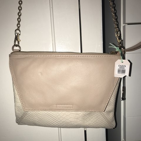 7a904d51b930 OASIS- nude/creme small bag with detachable gold chain, has - Depop