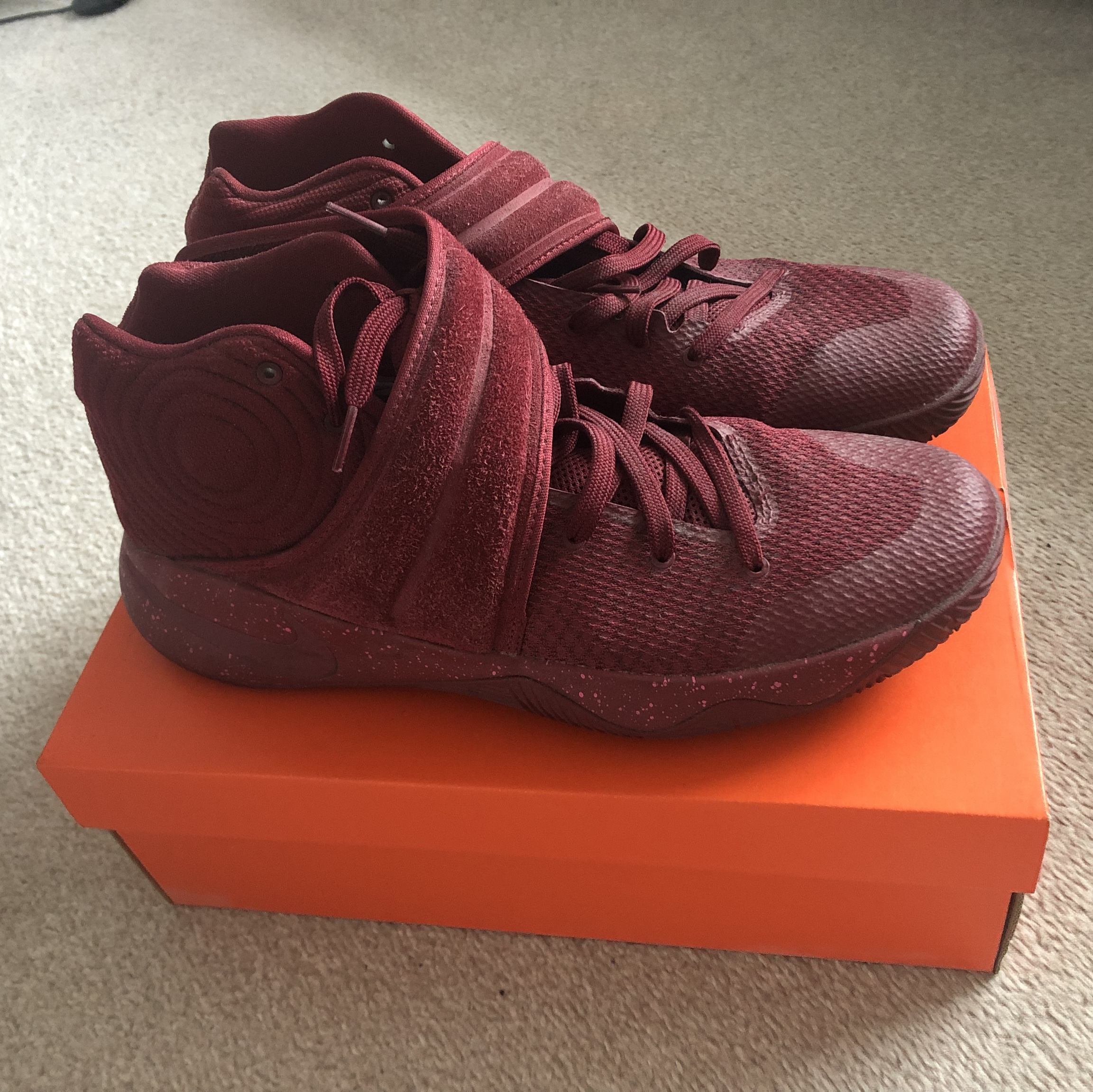 sale retailer 636e9 c9459 Nike 'Kyrie Irving 2' basketball trainers. Bought... - Depop