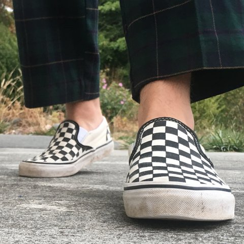674982129e The classic vintage checkered vans