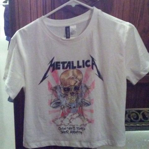b913f619f8e H&M Divided Metallica crop top size XS. No stains or tears. - Depop