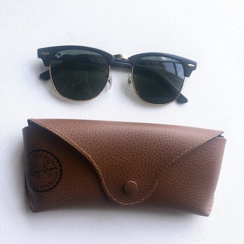 f086ae44d20 100% authentic Ray-Ban Clubmaster sunglasses!! Black Gold