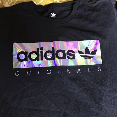 Met Out shirt Nieuw Holographic T Adidas Originals Depop On Once l3FK1TJc