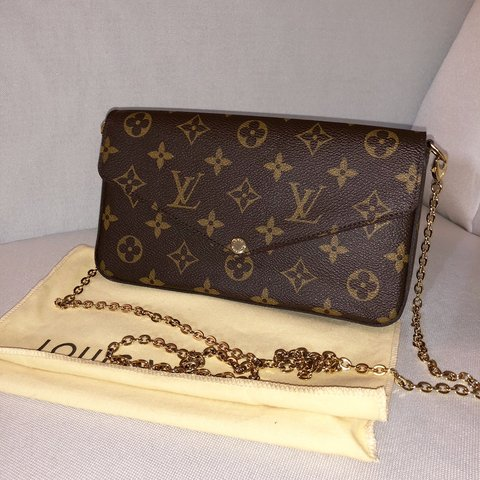 Authentic Louis Pochette Felicie - Never used. Pristine made - Depop 142f62973711c