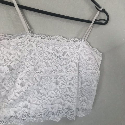 7b5731e77fe96  xconniewood. 10 months ago. United Kingdom. New Look adjustable strap  white lace bralet crop top - only worn once. Size 10 but would fit a size 6 8  as ...