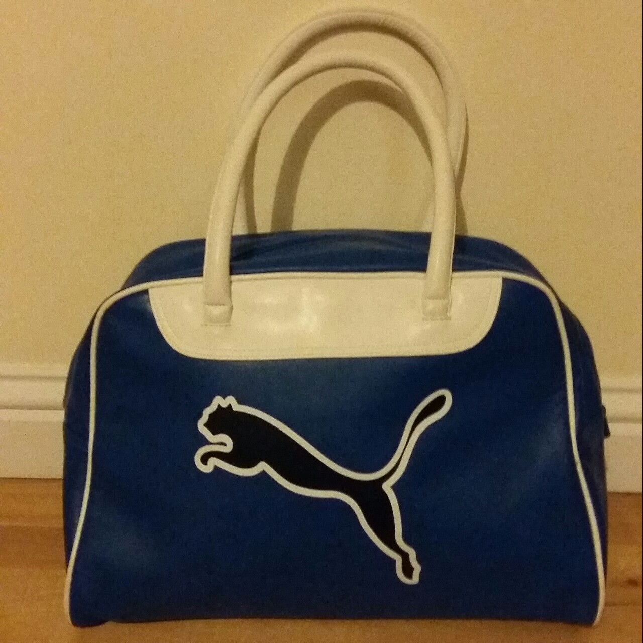 38d15b5fa8 Vintage retro Puma sports faux leather gym bag. Condition - Depop