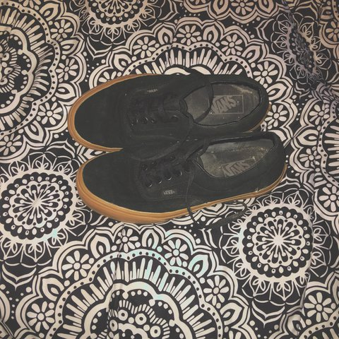 f482cf109a Black converse with gum soles. I have only worn them maybe - Depop