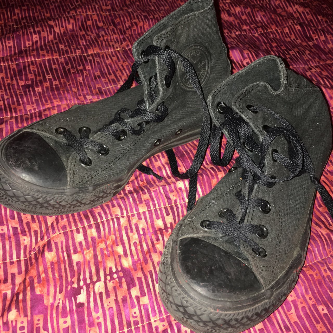 08a85ae548f some old converse i ve had for ages but never wear. they so - Depop