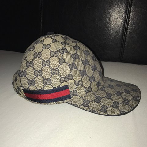74dc519c4ee Gucci GG Canvas Baseball hat WORN 3 TIMES will accept offers - Depop