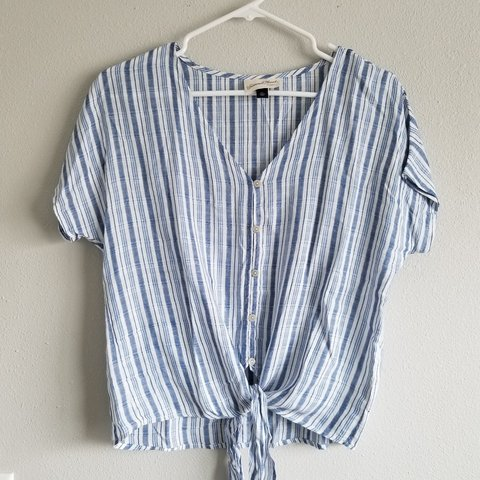 e0781801c1754b @breeborzu. 3 months ago. Kansas City, Clay County, United States. Blue and  white striped button up front tie short sleeve blouse. Women's size ...