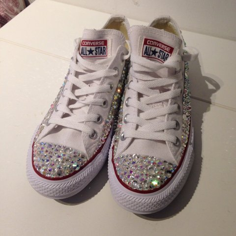 cdac144c431 Never been worn! #converse #crystal #size5 #whiteconverse - Depop