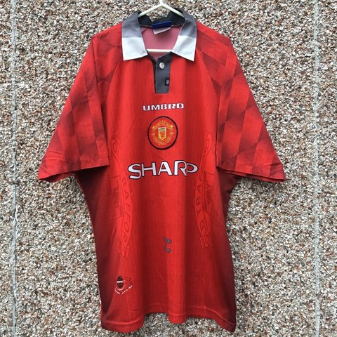 f0081492f Manchester United theatre of dreams Home Football Shirt    a - Depop